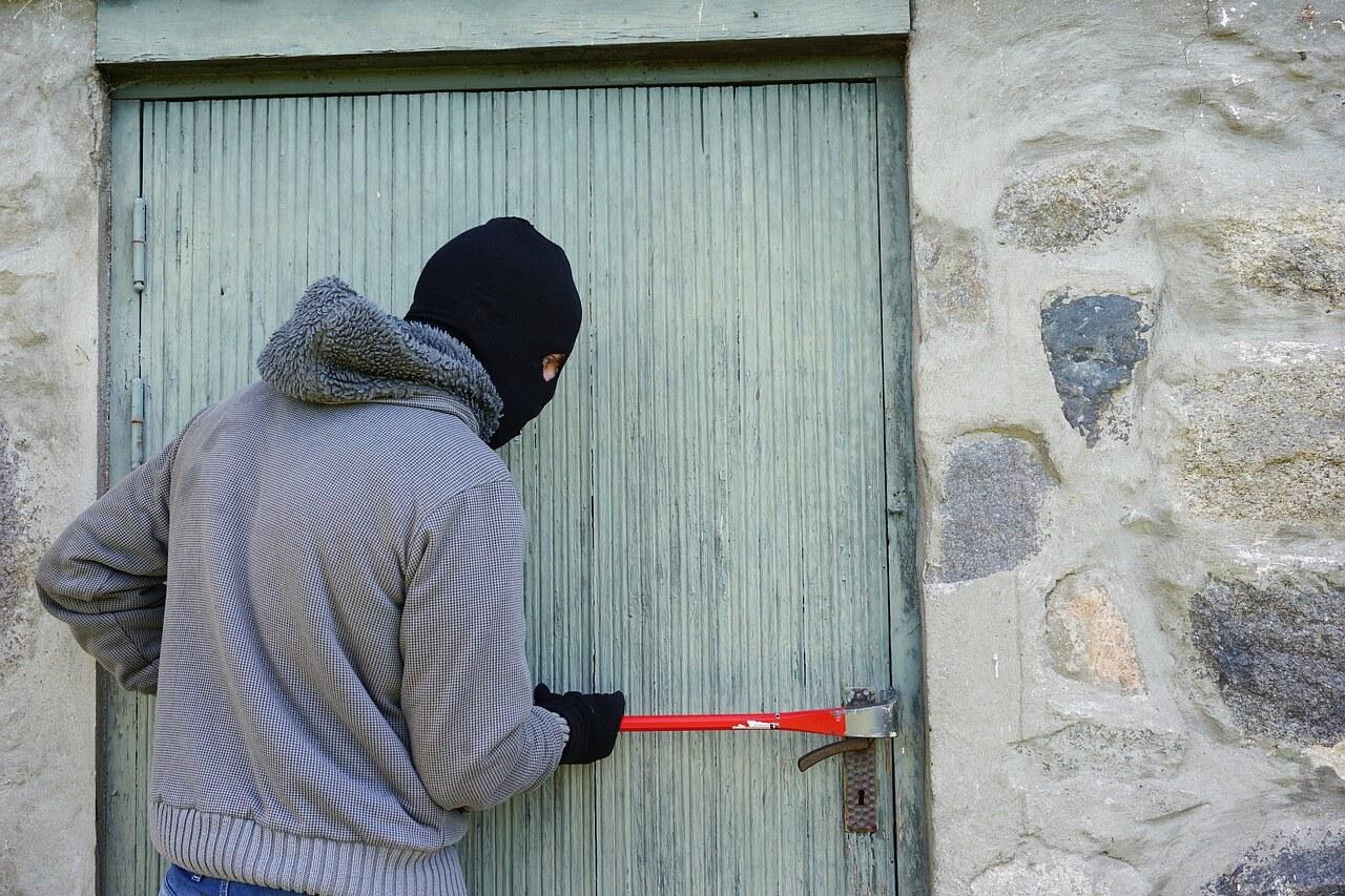 Страхование квартиры от кражи и грабежа